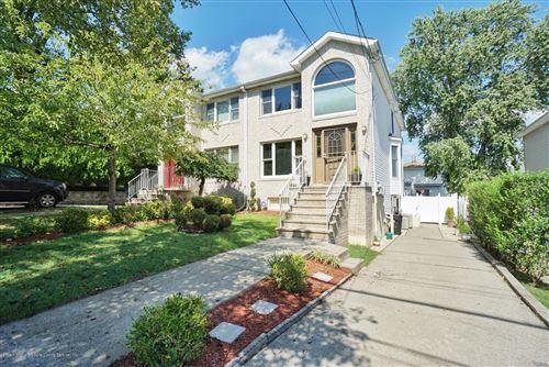 Photo of 195 Justin Avenue, Staten Island, NY 10306 (MLS # 1140262)