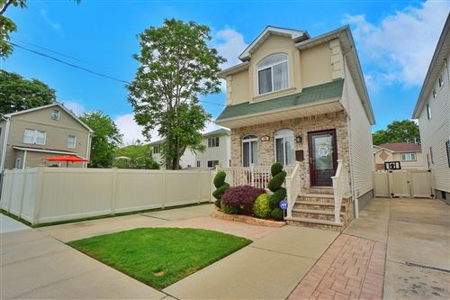 Photo of 19 Cortlandt Street, Staten Island, NY 10302 (MLS # 1137265)