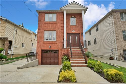 Photo of 51 Margaret Street, Staten Island, NY 10308 (MLS # 1136269)