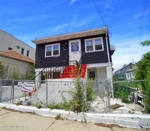 Photo of 295 Clifton Avenue, Staten Island, NY 10304 (MLS # 1138278)