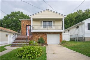 Photo of 29 Suffolk Avenue, Staten Island, NY 10314 (MLS # 1127281)
