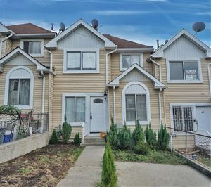 Photo of 25 Tappen Court, Staten Island, NY 10304 (MLS # 1123286)
