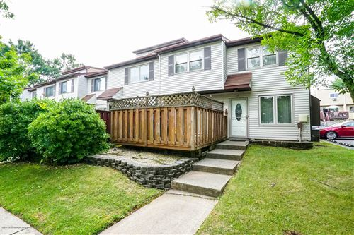 Photo of 35 Bunnell Court, Staten Island, NY 10312 (MLS # 1138289)