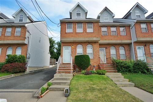 Photo of 124 Narrows S Road, Staten Island, NY 10305 (MLS # 1137292)