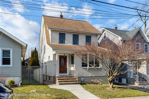 Photo of 104 Lawrence Avenue, Staten Island, NY 10310 (MLS # 1143305)
