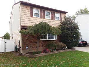 Photo of 31 Stanley Circle, Staten Island, NY 10308 (MLS # 1132315)