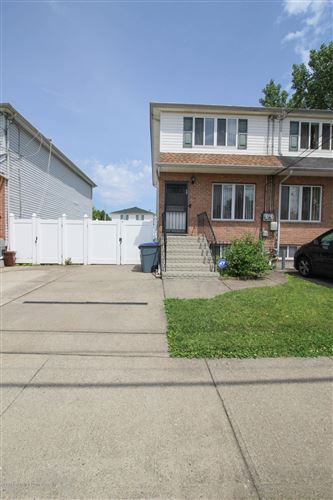 Photo of 205 Maple Parkway, Staten Island, NY 10303 (MLS # 1137323)
