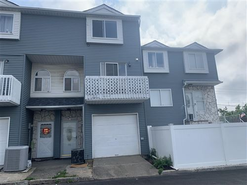 Photo of 52 Country S Drive, Staten Island, NY 10314 (MLS # 1138338)