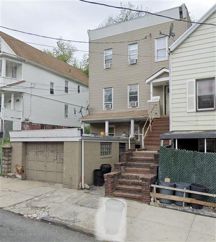 Photo of 25 Castleton Avenue, Staten Island, NY 10301 (MLS # 1142338)