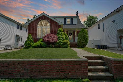 Photo of 65 Brookfield Avenue, Staten Island, NY 10308 (MLS # 1137339)