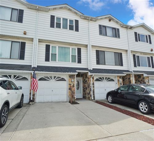 Photo of 246 Carlyle Green, Staten Island, NY 10312 (MLS # 1138343)