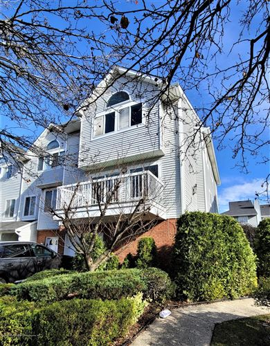 Photo of 45 Indale Avenue, Staten Island, NY 10309 (MLS # 1142344)