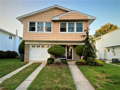 Photo of 71 Fieldstone Road, Staten Island, NY 10314 (MLS # 1142347)