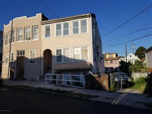 Photo of 19 Railroad Avenue, Staten Island, NY 10305 (MLS # 1132360)