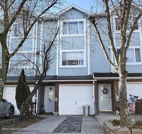 Photo of 79 Pembrook Loop, Staten Island, NY 10309 (MLS # 1142360)