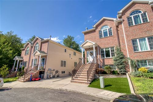 Photo of 23 Malibu Court, Staten Island, NY 10309 (MLS # 1139375)