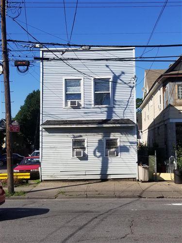 Photo of 957 Post Avenue, Staten Island, NY 10302 (MLS # 1136381)