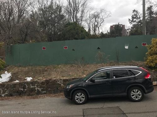 Photo of 70 Cedar Terrace, Staten Island, NY 10304 (MLS # 1138381)