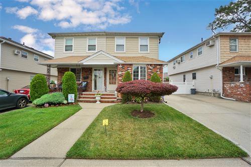 Photo of 515 Leverett Avenue, Staten Island, NY 10308 (MLS # 1138387)