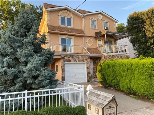 Photo of 77 Sideview Ave, Staten Island, NY 10314 (MLS # 1138395)