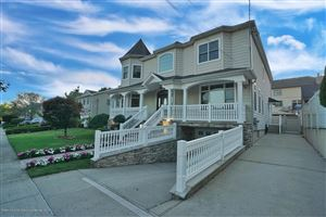 Photo of 62 Petersons Lane, Staten Island, NY 10309 (MLS # 1132396)