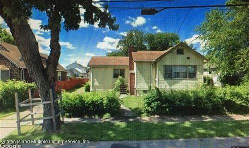 Photo of 148 Hunter Avenue, Staten Island, NY 10306 (MLS # 1138402)
