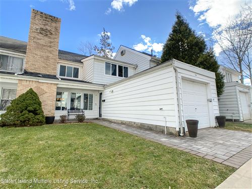 Photo of 34 Kyle Court, Staten Island, NY 10312 (MLS # 1143402)