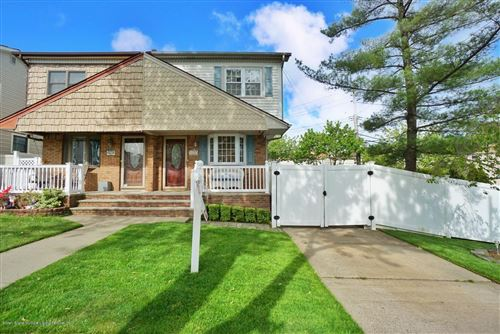 Photo of 20 Woehrle Avenue, Staten Island, NY 10312 (MLS # 1136406)