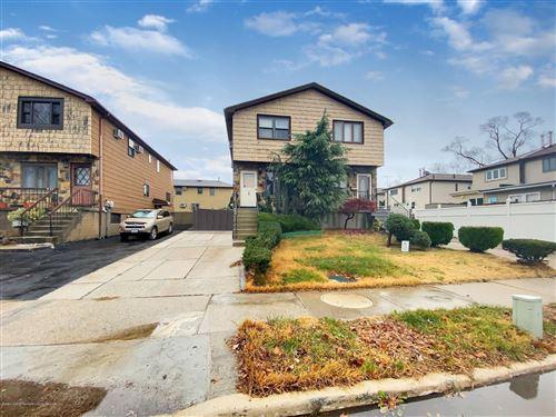 Photo of 634 Laconia Avenue, Staten Island, NY 10306 (MLS # 1142421)