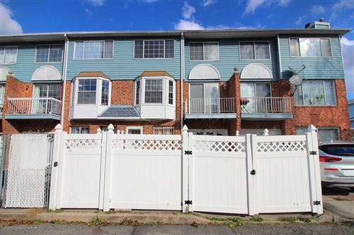 Photo of 37 Edward Court, Staten Island, NY 10314 (MLS # 1142429)