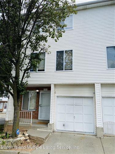 Photo of 363 Aspen Knolls Way, Staten Island, NY 10312 (MLS # 1149430)