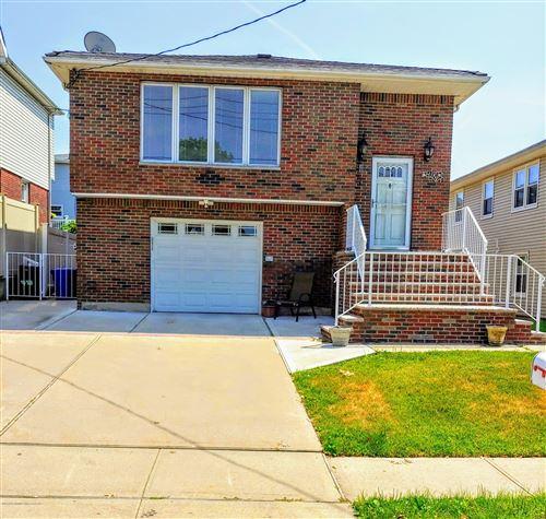 Photo of 32 Montauk Place, Staten Island, NY 10314 (MLS # 1138438)