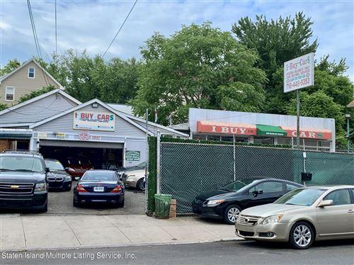 Photo of 690-692 Henderson Avenue, Staten Island, NY 10310 (MLS # 1147447)