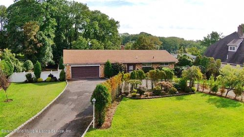Photo of 543 Todt Hill Road, Staten Island, NY 10304 (MLS # 1149458)