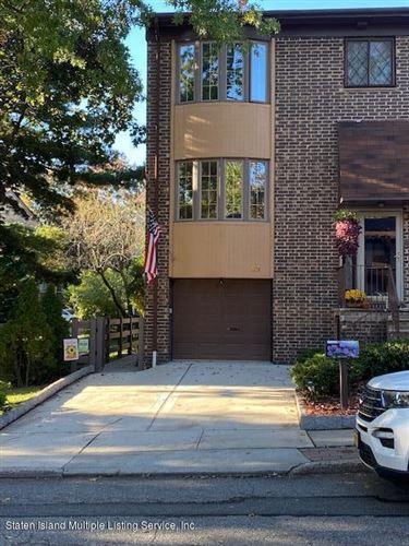 Photo of 99 Dogwood Lane, Staten Island, NY 10305 (MLS # 1141495)