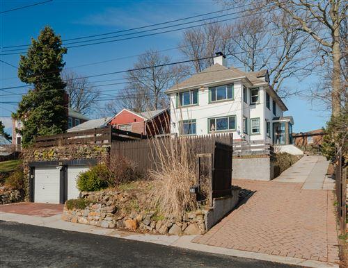 Photo of 26 Tompkins Circle, Staten Island, NY 10301 (MLS # 1136502)
