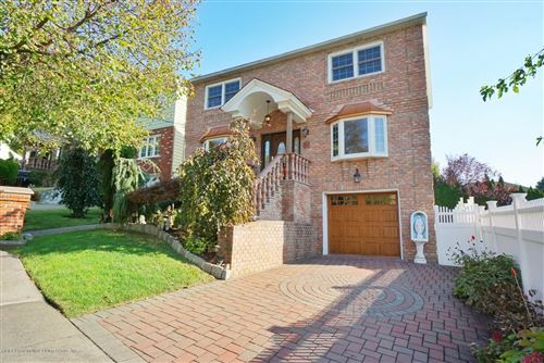 Photo of 11 Emerson Court, Staten Island, NY 10304 (MLS # 1141503)