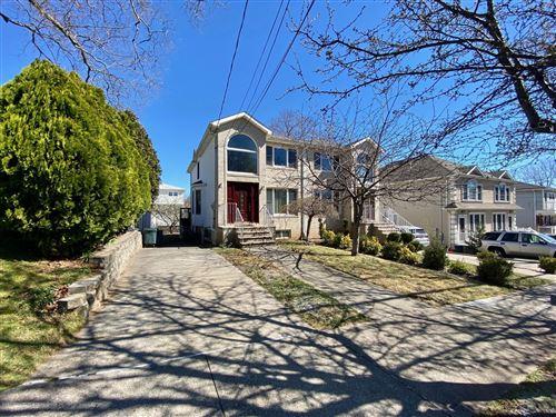 Photo of 193 Justin Avenue, Staten Island, NY 10306 (MLS # 1136512)