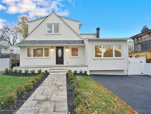 Photo of 32 St.Stephens Place, Staten Island, NY 10306 (MLS # 1133536)