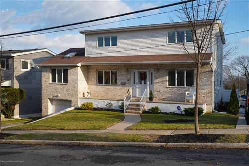 Photo of 53 Ridge Avenue, Staten Island, NY 10304 (MLS # 1140540)