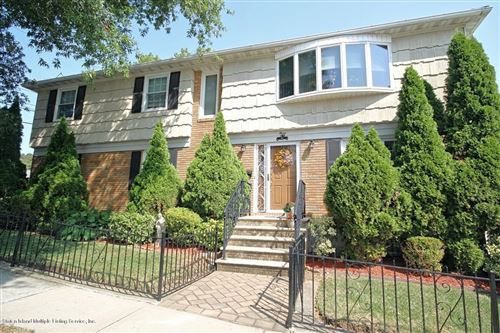 Photo of 3 Taunton Street, Staten Island, NY 10306 (MLS # 1141540)