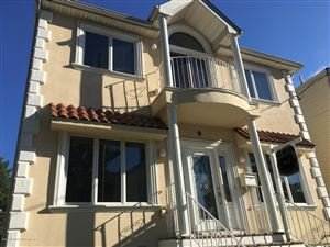 Photo of 9 Llewellyn Place, Staten Island, NY 10310 (MLS # 1123543)