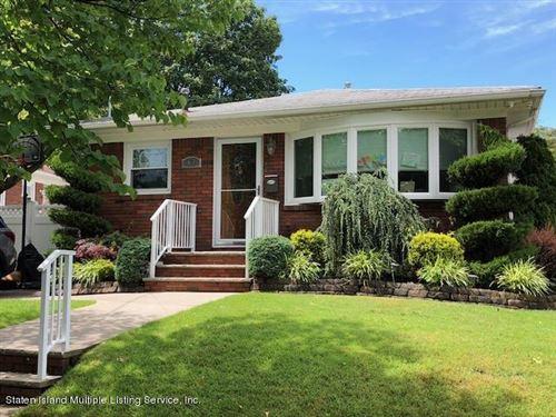 Photo of 63 Norwood Avenue, Staten Island, NY 10304 (MLS # 1136559)