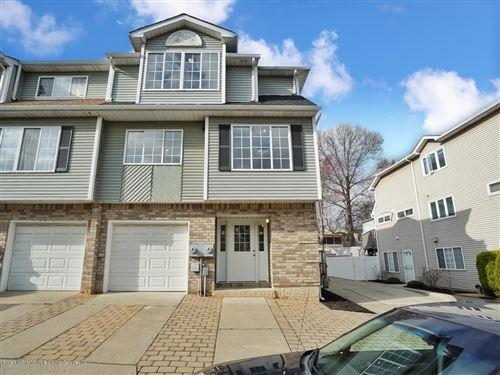Photo of 38 Robin Court, Staten Island, NY 10309 (MLS # 1136560)