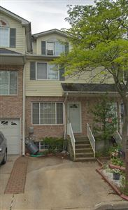 Photo of 19 Pelican Circle, Staten Island, NY 10306 (MLS # 1130583)