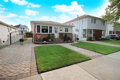 Photo of 200 Benton Avenue, Staten Island, NY 10305 (MLS # 1140586)