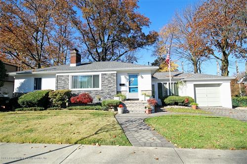 Photo of 31 Cheshire Place, Staten Island, NY 10301 (MLS # 1140598)