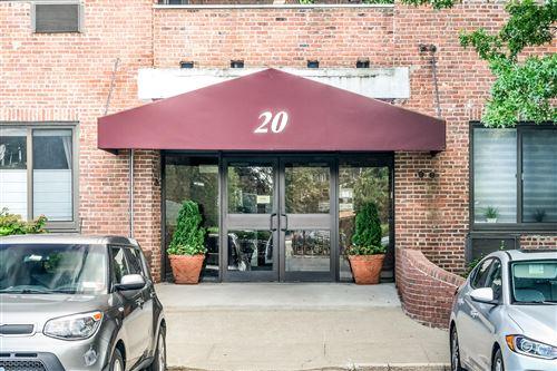 Photo of 20 Bay Street 2 D Landing #2 D, Staten Island, NY 10301 (MLS # 1140604)