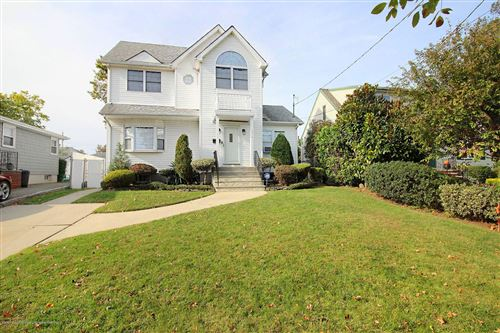 Photo of 214 Armstrong Avenue, Staten Island, NY 10308 (MLS # 1141604)