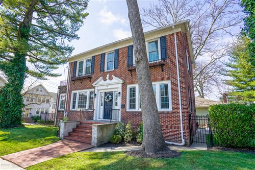 Photo of 87 Glenwood Avenue, Staten Island, NY 10301 (MLS # 1136610)
